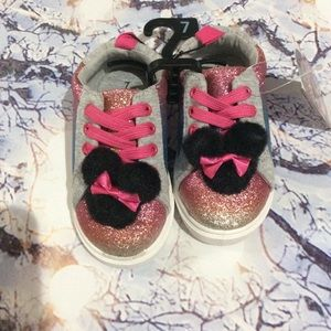 NWT Minnie Mouse shoes